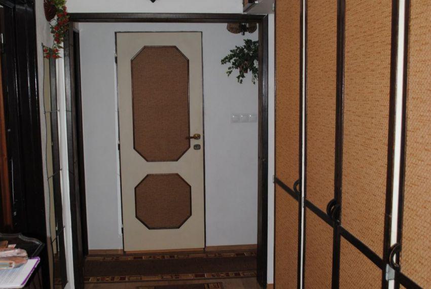 Prenájom 3 izbový byt Levice-7