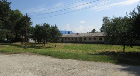Na predaj priemyselný pozemok 1.475 m2 v priemyselnej zóne Krakovany