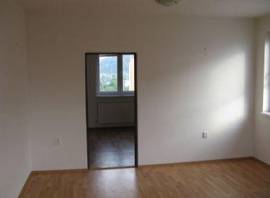 MAXFIN REAL - Na predaj 2-izbový byt v Trenčíne