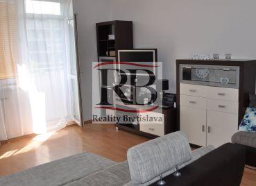 Ponúkame na predaj 1 izbový byt na ulici Tomašiková, Ružinov, Bratislava.