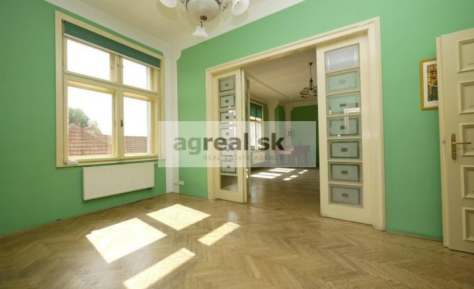 Štýlové kancelárske priestory 260 m2 Galandova ulica - pod Slavínom, možnosť 2 parkingov