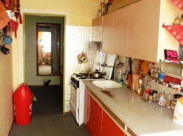 3-i byt,64 m2, loggia, ZATEPLENÝ byt.dom, pokojná lokalita plná zelene