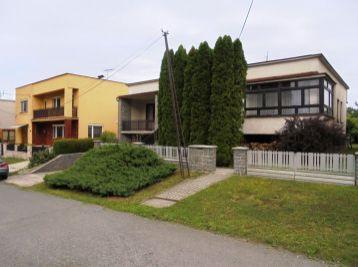 4-i dom, 180 m2, garáž, terasa, ŠIKOVNÝ POZEMOK 700 m2