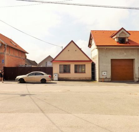 STARBROKERS - PREDAJ - Rodinný dom vo vidieckom štýle, centrum Záhorskej Bystrice, pozemok 1010 m2