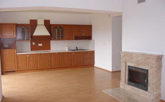 ARTHUR -3-izbový byt v centre Donovalov-výhľad, krb...