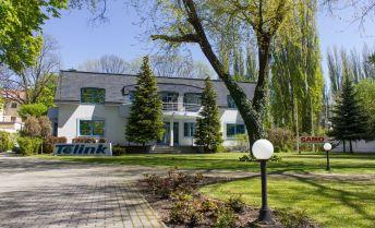 PRENAJATÉ.  Moderné kancelárske priestory Liptovský Mikuláš