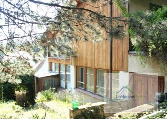 Priestranný rodinný dom s veľkou záhradou na predaj, Nitra – Zobor