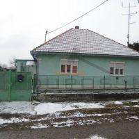 Rodinný dom, Lok, 120 m², Pôvodný stav