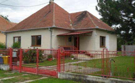 Predám 3 izbový RD v Hruboňove pri Nitre.