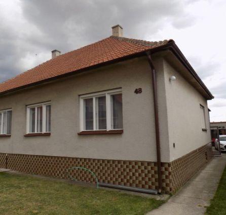 ZLOŽENÁ ZÁLOHA - Rodinný dom na peknom pozemku - možnosť rekonštrukcie podľa vlastných predstáv