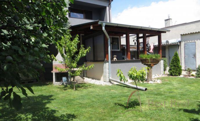 Best Real - rodinný dom v Lehniciach po kompletnej rekonštrukcii, pekne udržiavaný pozemok 600m2