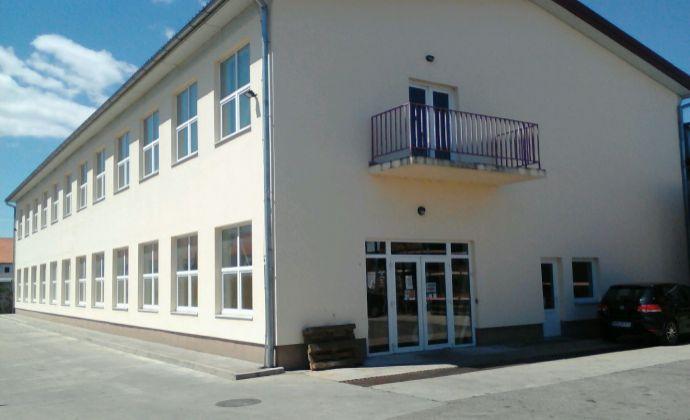 Komerčný objekt 1000 m2, Nové Mesto nad Váhom.