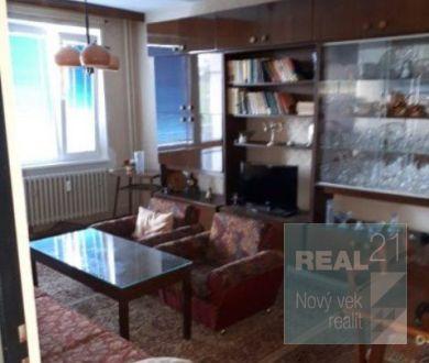 Ponúkame na predaj 2 izbový byt V Dubnici nad Váhom, 59 m2.