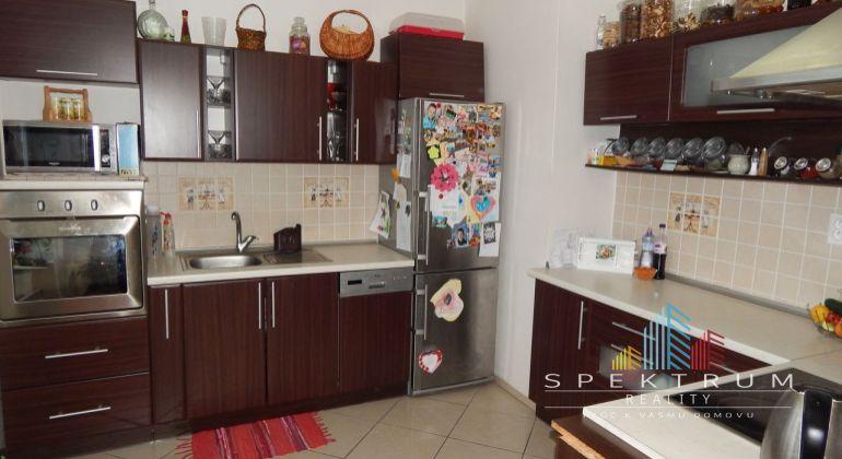 REZERVOVANE-Na Predaj 4 izbový byt, 110 m2, Janova Lehota, okres Žiar Nad Hronom