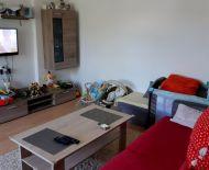 Predaj, 2 izbový tehlový byt v centre Sekiera