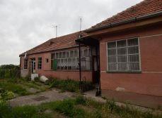 Starší RD na pozemku 2534 m2, Veľký Cetín, ul. Horný koniec