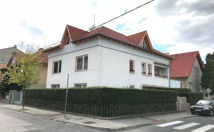 Priestranný rodinný dom v centre Piešťan
