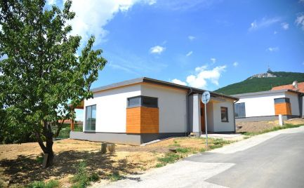 Predám novostavbu dvoch štvorizbových domov v atraktívnej lokalite Nitra, Zobor.