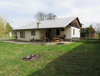 Ponúkam na predaj rodinný dom neďaleko Turčianskych Teplíc, pozemok 1218 m2