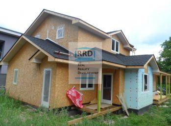 Novostavba rodinného domu v Americkom štýle