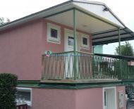 DIAMOND HOME s.r.o Vám ponúka na predaj  2 kusy 2 izbové chaty  s vlastný kúrením a s vlastným pozemkom v obci Jahodná.