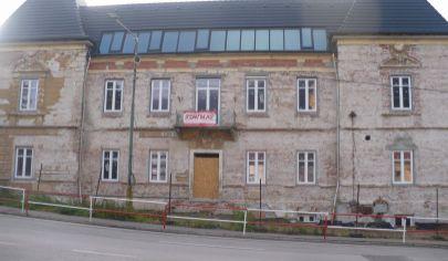 Trenčianské Teplice - na predaj polyfunkčná budova.