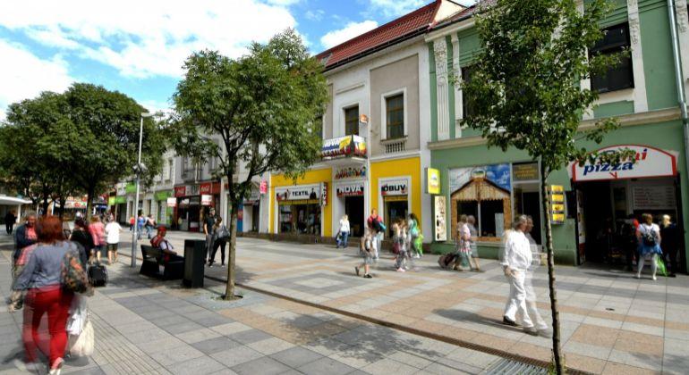 Budova s históriu na pešej zóne kde to žije - Žilina - Národná