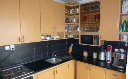 2,5 izbový byt po rekonštrukcii s balkónom a lodžiou v Ružinove.