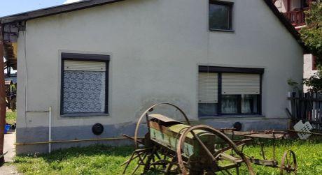PREDAJ - rodinný dom s pekným pozemkom v Kamennom Moste.