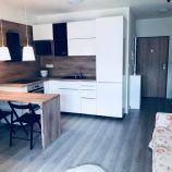 Útulný 1-izb byt s parkovaním, terasou a záhradkou v novostavbe, Devínske Lúky