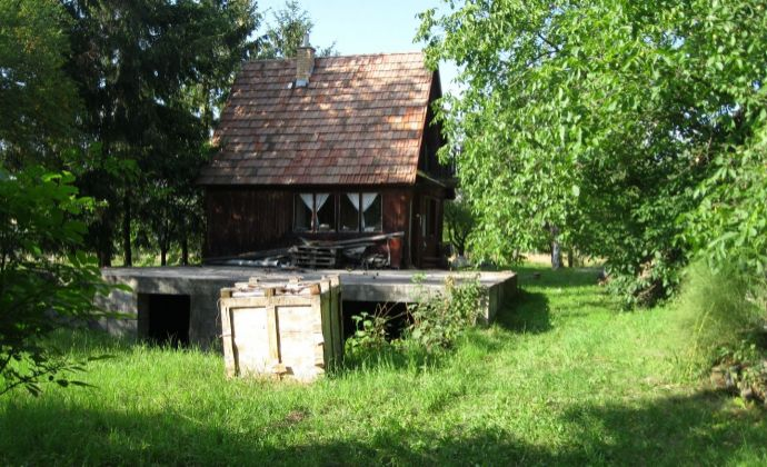 Stavebný pozemok 1522 m2, Vlčie kúty - Prievidza.