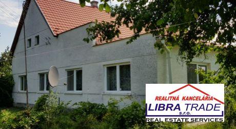 PREDAJ 5- izbový rodinný dom s pekným pozemkom v obci Bíňa.