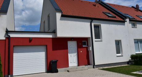 4 - izbový rodinný dom 83m2, pozemok 283m2  s garážou  - Rajka