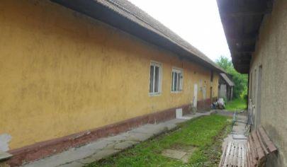 Turčianske Kľačany dva rodinné domy na pozemku 1334 m2, okr. Martin