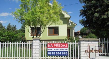 Na predaj pekný tehlový 4-izbový rodinný dom v obci Branovo