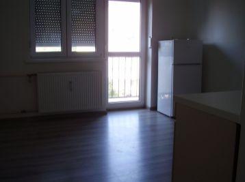 MAXFIN REAL – Prenájom 1 izbového bytu s balkónom