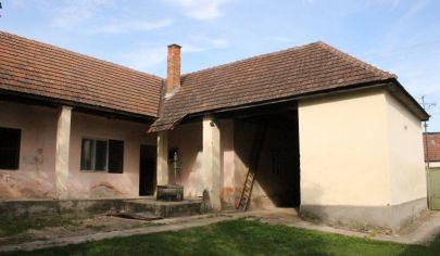 ČELADINCE rodinný dom, pozemok 800 m2, okr. Topoľčany
