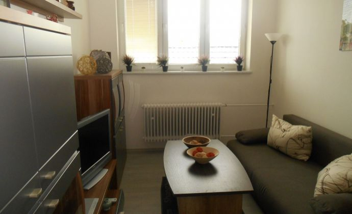 Na predaj kompletne zrekonštruovaný 2 - izbový byt