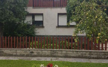 Na predaj pekný 4-izb. dom v obci Rajka za výhodnú cenu.