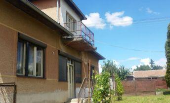 Predaj - Rodinný dom s pekným pozemkom - Dolný Pial (okr. Levice)