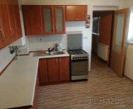 Predaj, väčší 1-izbový byt s terasou v tichej lokalite
