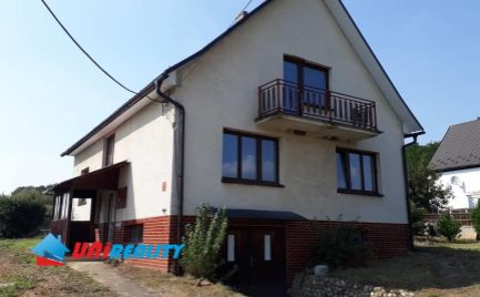 -PREDANÉ-- Okres BN - obec  RUSKOVCE – pekný 5 - izb. rodinný dom s garážou na bývanie / pozemok: 887 m2