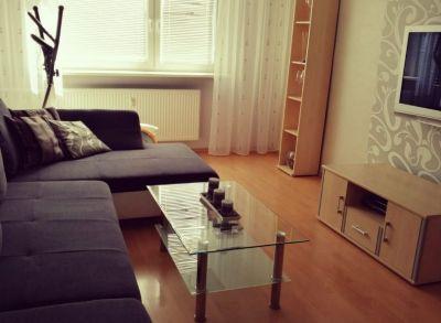 Areté real, REZERVOVANÉ - Predaj slnečného 2-izbového bytu po rekonštrukcii v tichej lokalite v Pezinku