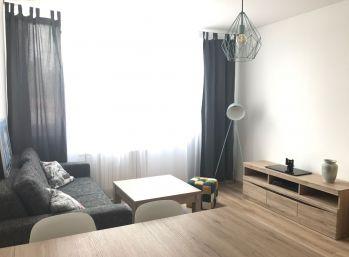 **PRENÁJOM: Nový zariadený 2 izb. byt priamo v CENTRE mesta MALACKY!!!**