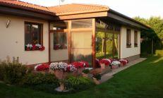 Znížena cena. Exkluzívny, účelný a bezbariérový bungalow v peknej a tichej lokalite