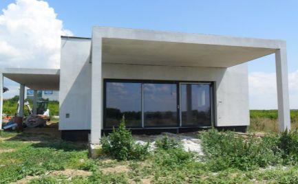 Predám nový holodom - bungalov v Nitr.Hrčiarovciach.