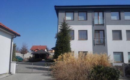 Predám bytovku - 7 bytov, možnosť kúpiť aj jednotlivo - Svätoplukovo.