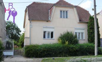 Na predaj 3 izbový rodinný dom v centre obce Dobrá Voda.