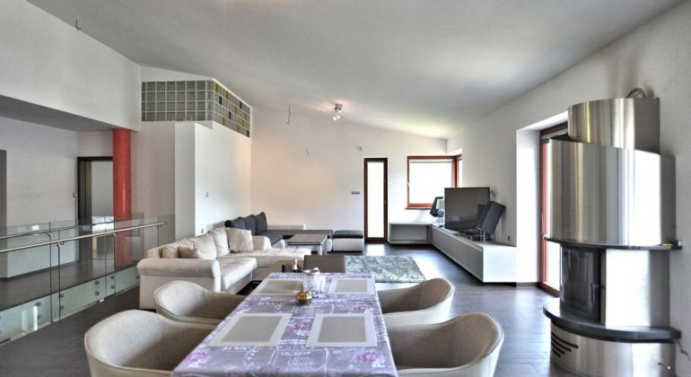 NA PRENÁJOM luxusný rodinný dom, 407m2, Trenčianske Teplice