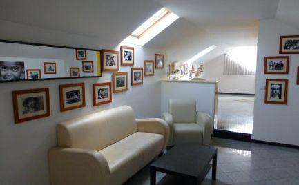 Na prenájom 3 izbový mezonet v bytovom dome len s tromi bytmi a so súkromným parkovaním v Starom meste.